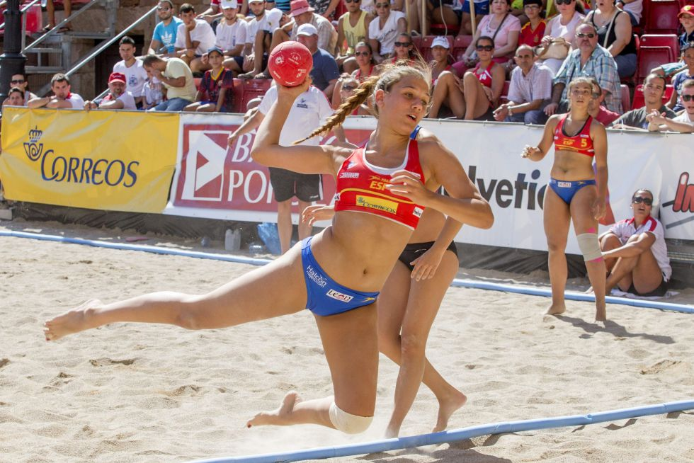 Balonmano playa femenino 1405132928_974815_1405132992_noticia_grande